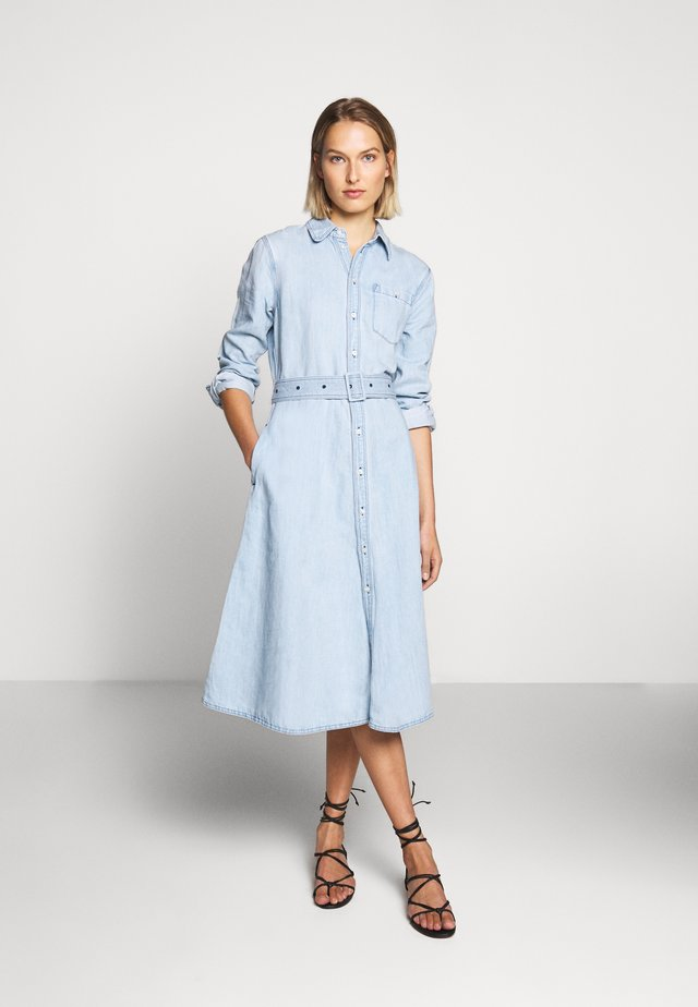 LONG SLEEVE CASUAL DRESS - Denim dress - light indigo