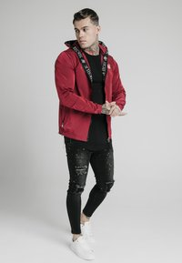 SIKSILK - ZIP THROUGH WINDBREAKER JACKET - Giacca leggera - red - 1