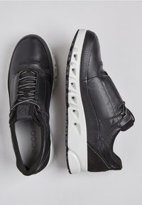 ECCO - MULTI-VENT - Trainers - black - 1