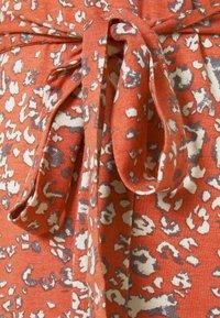 b.young - MALLI LEO DRESS - Jersey dress - etruscan red - 2