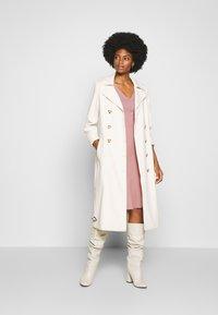 Anna Field - BASIC - V NECK MINI DRESS - Jersey dress - pale mauve - 1