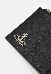 Vivienne Westwood - GEORGE CARD HOLDER WITH ZIP - Peněženka - black - 4