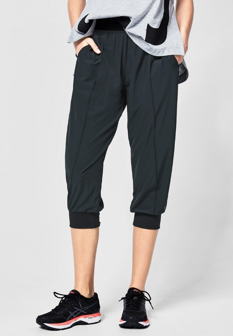 s.Oliver active - 3/4 sports trousers - black