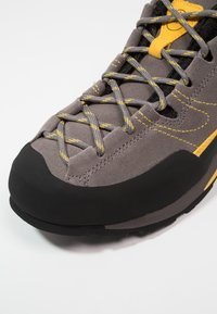 La Sportiva - BOULDER X - Climbing shoes - grey/yellow - 5