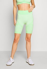 ONLY Play - ONPMASHA LIFE CIRCULAR SHORTS - Leggings - green ash - 0