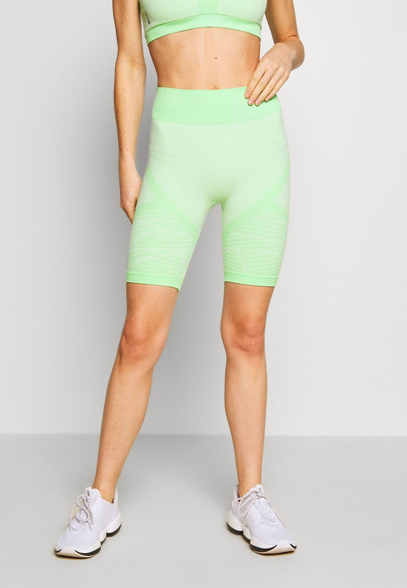 ONLY Play - ONPMASHA LIFE CIRCULAR SHORTS - Leggings - green ash