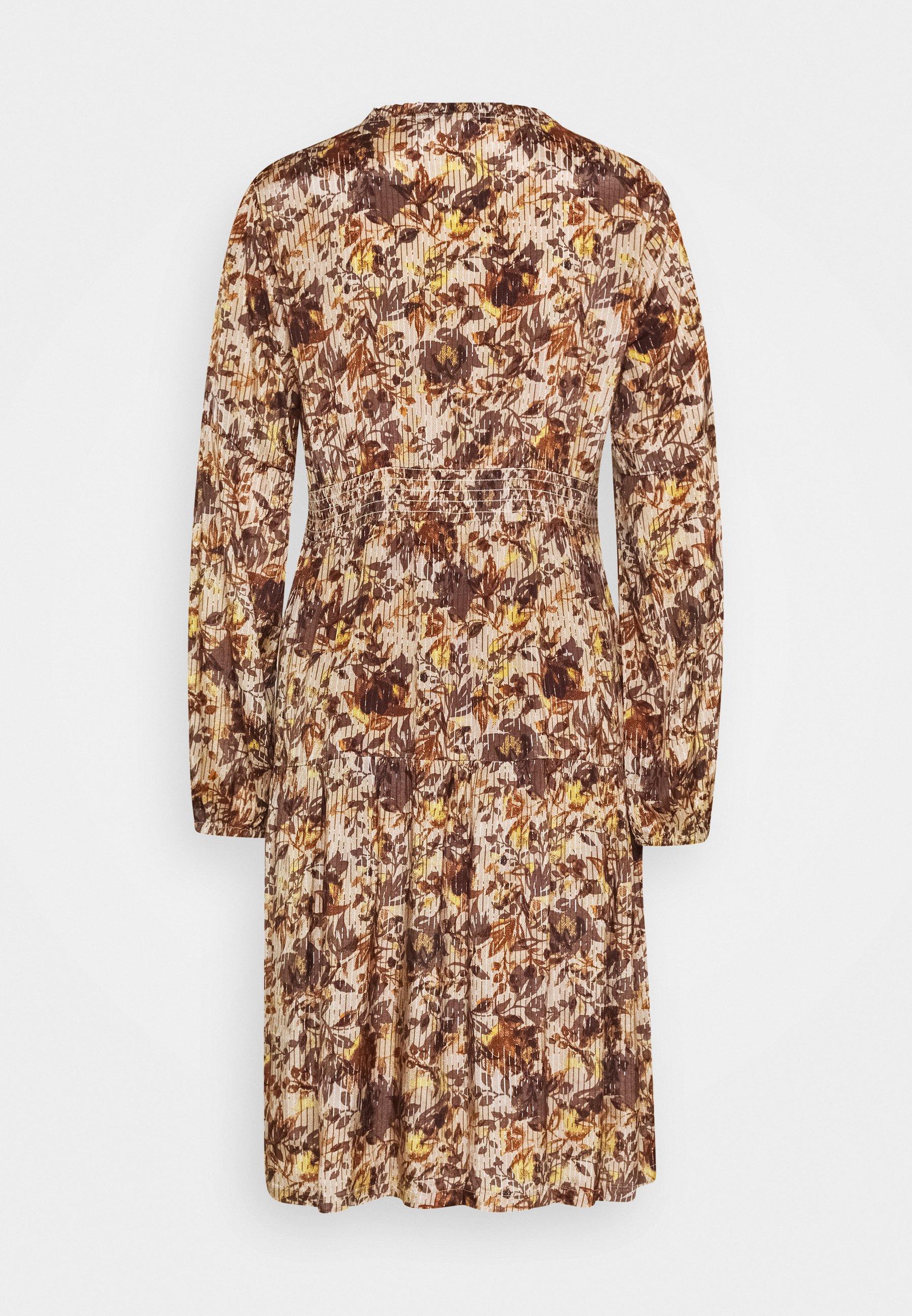 Cream AUGUSTA DRESS - Vestido informal - brown fall leafs gaByR