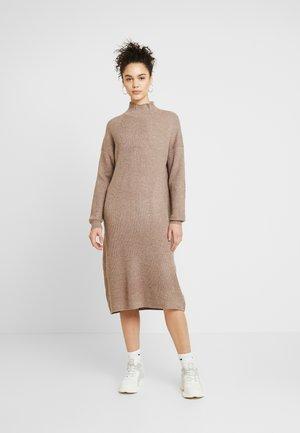 DRESS - Strikkjoler - mink