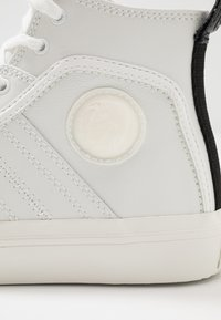 Diesel - S-ASTICO MID LACE - Sneakers alte - star white - 5