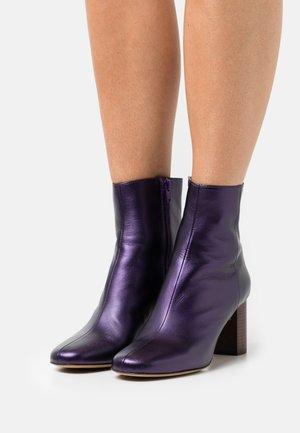 AIRY - Korte laarzen - violet
