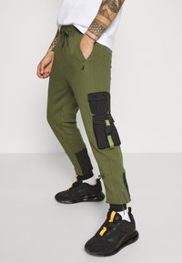 STAPLE PIGEON - TACTICAL - Tracksuit bottoms - olive - 3