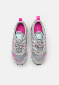 adidas Originals - ZX 700 HD - Trainers - grey two/silver metallic/haze rose - 5