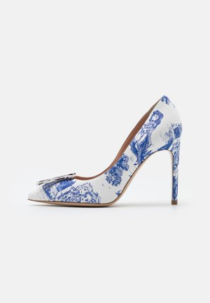 Pumps - light blue