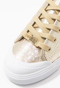 Guess - GITNEY - Baskets basses - gold - 2