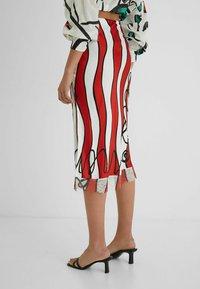 Desigual - DESIGNED BY ESTEBAN CORTAZAR - Pencil skirt - white - 2
