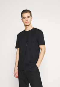 Selected Homme - SLHRELAXFREDDIE POCKET ONECK - Printtipaita - black - 0