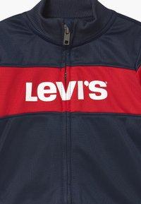 Levi's® - VERTICAL LOGO SET - Trainingspak - dress blues - 3