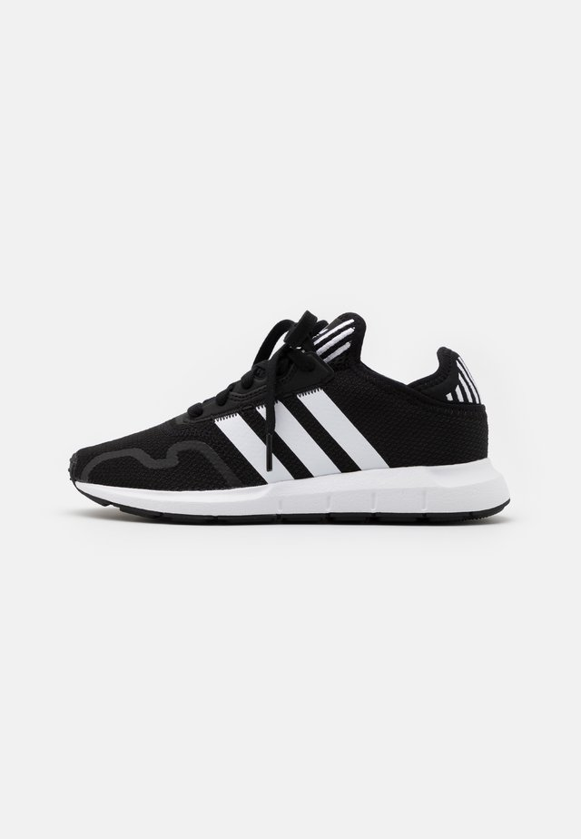 SWIFT RUN X UNISEX - Trainers - core black/footwear white