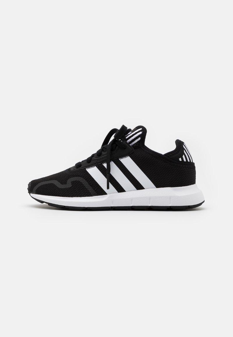 adidas Originals - SWIFT RUN X UNISEX - Trainers - core black/footwear white