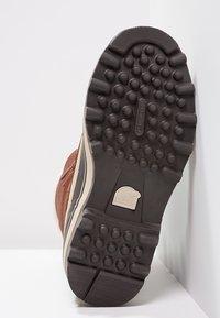 Sorel - CARIBOU SL - Zimní obuv - braun - 4