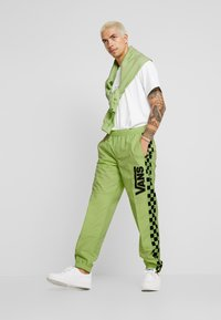 Vans - BMX OFF THE WALL PANT - Tracksuit bottoms - sharp green - 1