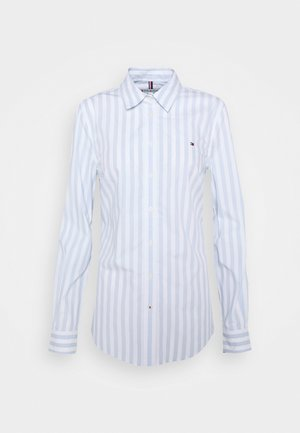 REGULAR SHIRT - Button-down blouse - banker/breezy blue