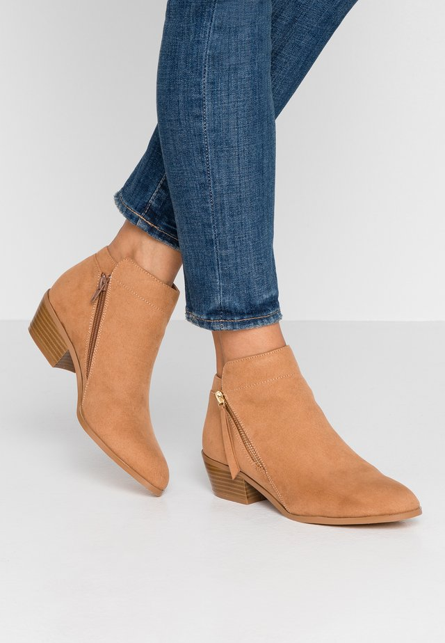 PEDRINE - Ankle Boot - tan