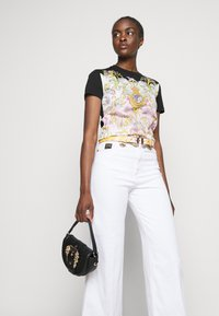 Versace Jeans Couture - Flared Jeans - optical white - 4