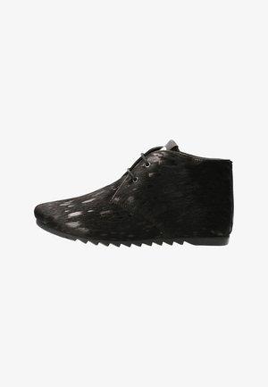 GINNY HAIRON - Korte laarzen - splash black