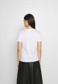 KARL LAGERFELD - ADDRESS LOGO TEE - Print T-shirt - white - 2