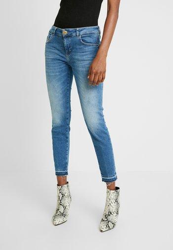 SUMNER DECOR JEANS - Jeans Skinny Fit - light blue