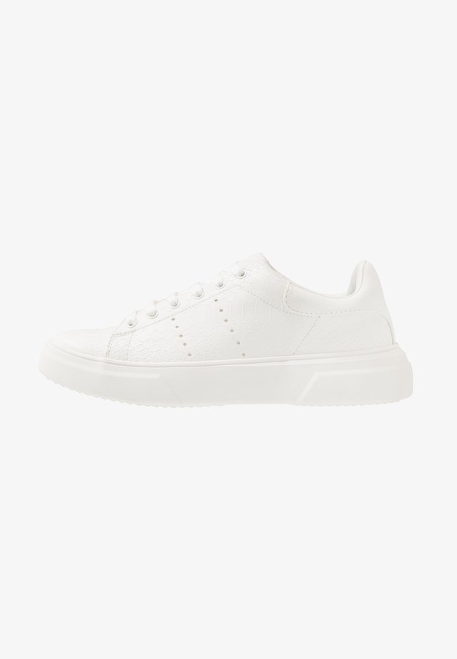 DRONE EMBOSS - Trainers - white