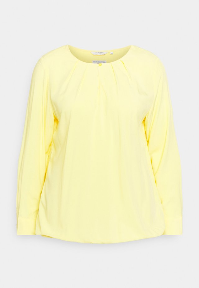 BLOUSE WITH PLEATED NECKLINE - T-shirt à manches longues - mellow yellow
