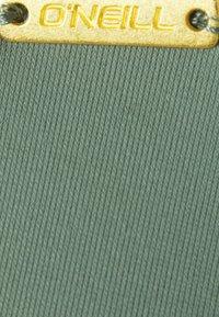 O'Neill - FIJI - Bikini top - green - 2