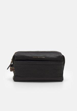 CASUAL WASHBAG - Wash bag - black