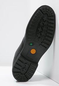Timberland - STORMBUCKS CHELSEA - Classic ankle boots - black - 4