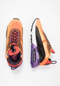 Nike Sportswear - AIR MAX 2090 - Sneakers basse - magma orange/black/eggplant/habanero red/white/red orbit - 1