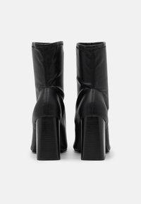 Topshop - BRODY STRETCH SOCK BOOT - Kotníkové boty - black - 3