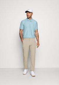Oakley - CLUB HOUSE - Polo shirt - aviator blue - 1