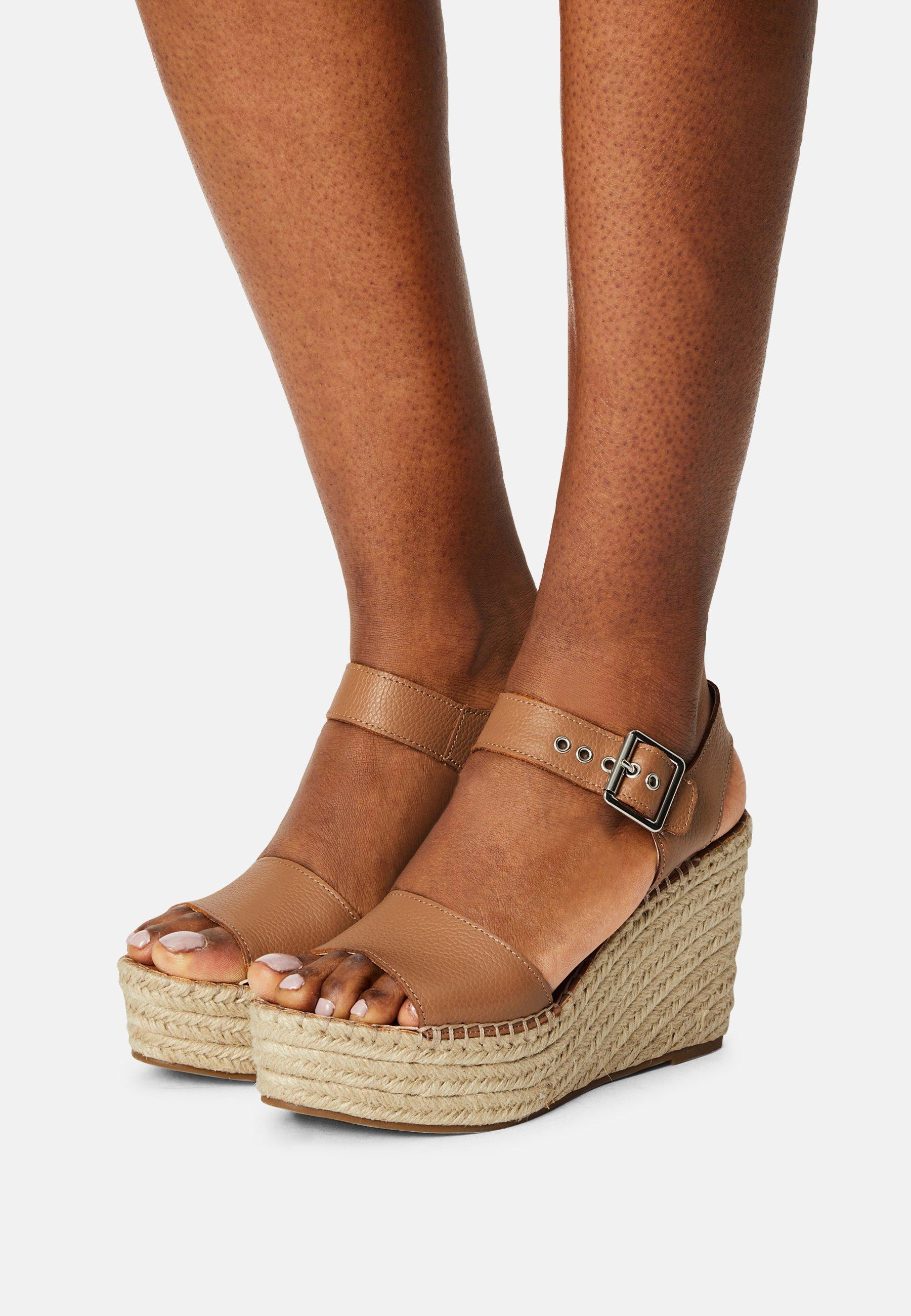 Women YUNITY - Platform sandals - tan