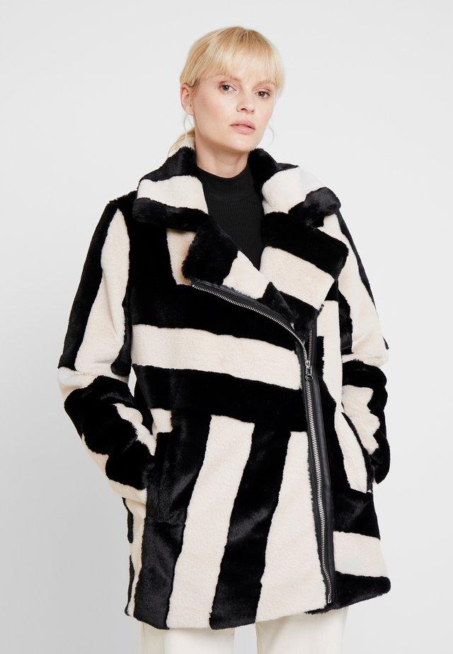 SANTEE - Płaszcz zimowy - ivory/black