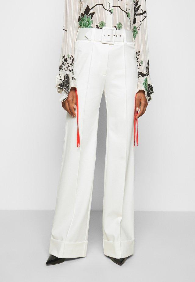 BELTED PONTI TROUSER - Pantalon classique - ivory
