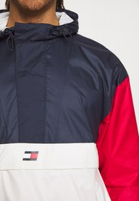 Tommy Hilfiger - ICON - Windbreaker - red - 4