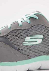 Skechers Wide Fit - FLEX APPEAL 3.0 - Sneakers laag - gray/mint - 2
