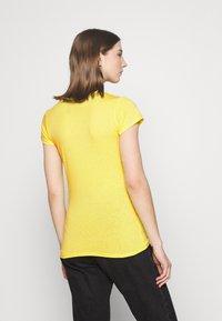 G-Star - EYBEN SLIM V T WMN S\S - Basic T-shirt - bright yellow - 2