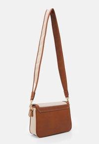 Anna Field - Across body bag - beige/cognac - 1