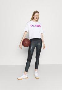Nike Performance - JORDAN PARIS ST GERMAIN LEGGING - Medias - black - 1
