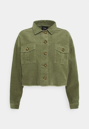 BUTTON SHACKET - Summer jacket - oil green