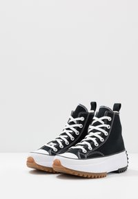 Converse - RUN STAR HIKE - Sneakersy wysokie - black/white/gum - 6
