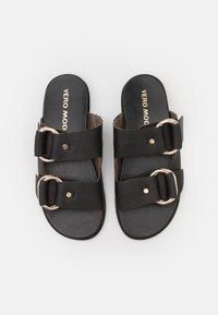 Vero Moda - VMBEATE - Mules - black/light gold - 5